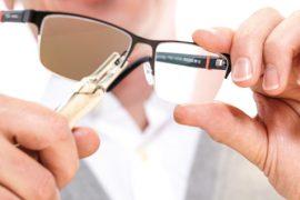 opticienrepareertbrilmetgereedschap